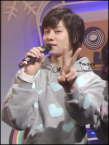 heechul-and-his-awesome-top.jpg