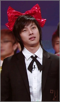 heechul-is-minnie-mouse.jpg