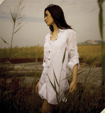 Zhang Li Yin's official pic